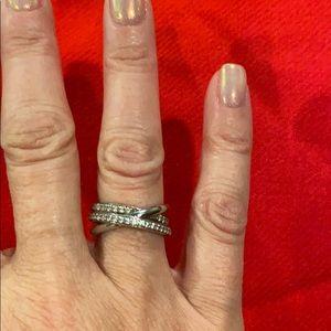 Sterling silver, Swarovski Crystal Crossover Ring